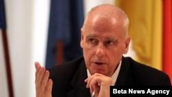 Izjava nemačkog ambasadora Hajnca Vilhelma uzburkala je strasti u Srbiji.
