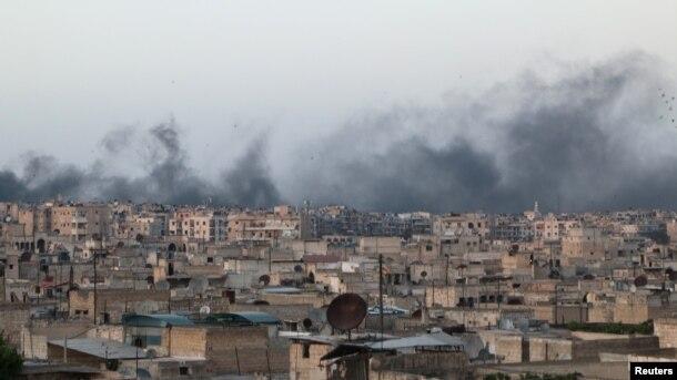 Hələbin üsyançıların nəzarətində olan Əl-Saxour rayonunda hava hücumları