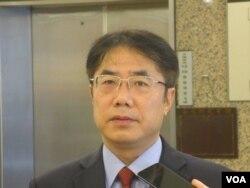 台湾执政党民进党立委黄伟哲(美国之音张永泰拍摄)