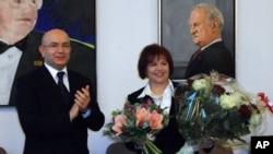 Sema Yılmaz Karasu Berlin Tiergarten Belediyesi Salonu'nda yapılan ödül töreninde
