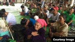 တိမ္းေရွာင္လာတဲ့ ကဆုန္႕ရြာသားမ်ား ( KBC Kachin Facebook)
