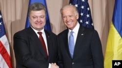 Петро Порошенко і Джозеф Байден у Давосі