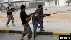 Pemerintah Libya kesulitan untuk mengendalikan milisi bersenjata di Libya (foto: dok). Sejumlah orang bersenjata menyerang Kedutaan Rusia di Tripoli, Rabu 2/10.