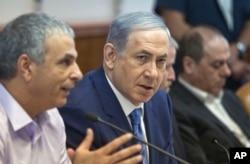 Israeli Prime Minister Benjamin Netanyahu attends a cabinet meeting in Jerusalem, Aug. 5, 2015.