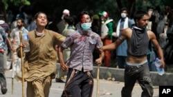 巴基斯坦抗議者流血