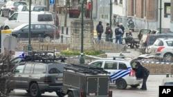 په برسلز کې په کال ٢٠١٥ م کې د مشکوک وسله والو خلاف د پولیس د یوې چاپې منظر