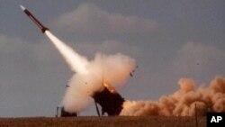 Một phi đạn Patriot do Mỹ chế tạo đã được dùng để bắn hạ phi đạn Scud (ảnh tư liệu).