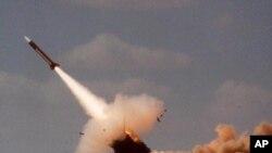 """Пуск ракети-перехоплювача """"Патріот"""" на військових навчаннях в Ізраїлі у 2001-му році"""