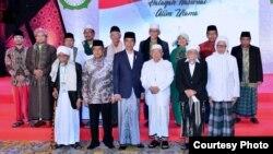 Presiden Joko Widodo berdialog dengan ulama-ulama berpengaruh di Indonesia, di Hotel Borobudur Jakarta, Kamis 13/7 (Courtesy: Setpres RI).