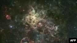 Chòm sao Tarantula Nebula là một khối mây khí và bụi rộng lớn
