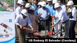 El embajador de EE.UU. en El Salvador inauguró la construcción de una planta de aguas residuales en El Salvador el miércoles, 27 de noviembre de 2019.