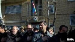 تجمع در مقابل کنسولگری جمهوری آذربایجان در تبریز