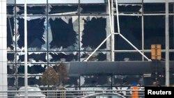 Aeroporti i Brukselit pas shpërthimeve