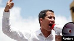 Lãnh đạo phe đối lập Venezuela Juan Guaido phát biểu trong một cuộc tập hợp biểu tình phản đối Tổng thống Venezuela Nicolas Maduro ở Caracas, ngày 9 tháng 3, 2019.