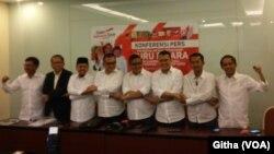 Konferensi Pers oleh Para 9 Sekjen Partai Pendukung Jokowi-Ma'aruf terkait Pelatihan 108 Jubir Kampanye di Pilpres 2019 di Jakarta, Senin, 13 Agustus 2018. (Foto: VOA/Githa)