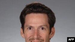 З 2004-го року Пол Данієрі є деканом Коледжу вільних мистецтв та науки в Університеті Флориди.