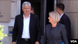 Dragan Čović i Borjana Krišto izlaze iz zgrade Delegacije EU u kojoj je održan sastanak o Izbornom zakonu BiH, Sarajevo, 05. juni 2018.