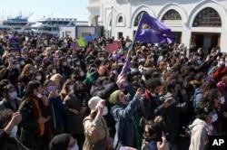 Hükümetin İstanbul Sözleşmesi'nden çekilme kararı İstanbul'da protesto edildi, 27 Mart 2021.