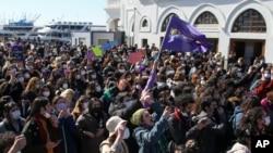 Demonstranti u Istanbulu protestuju protiv povlačenja Turske iz Istanbulske deklaracije Mart 27, 2021