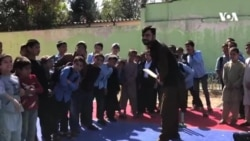 دیدار راشد خان با کودکان
