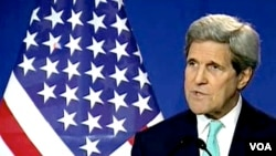 """Ngoại trưởng Hoa Kỳ John Kerry thúc giục những người chỉ trích thỏa thuận khung trong quốc hội """"kìm nén sự nóng giận"""" và chờ đợi một thỏa thuận chung quyết"""