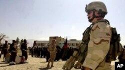 یو افغان پوځي د ناټو عسکر وژلی دی