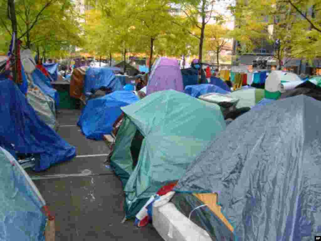 佔領華爾街支持者所搭建的帳篷