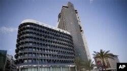Gedung Lebanese Canadian Bank SAL di Beirut, Lebanon, tempat pencucian uang jutaan dolar dari perdagangan narkoba dan kejahatan lainnya. (Foto: AP)