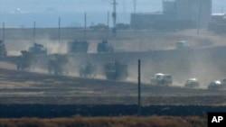 شمالی شام میں ترک افواج نے روسی فورسز کے ساتھ دو روز قبل گشت کرنا شروع کیا ہے — فائل فوٹو