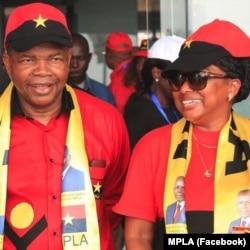 João Lourenço e Ana Dias Lourenço, numa actividade do MPLA em Luanda.