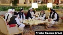 دوحہ مذاکرات کے دوران طالبان کا وفد۔ (فائل فوٹو)