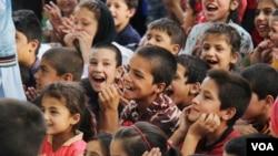 مقامات وزارت صحت افغانستان می گویند که تطبیق واکسین تضمین کنندۀ زندگی صحتمند و خوشحال کودکان است.