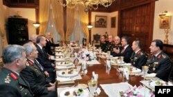 თურქეთში ახალ სამხედრო მეთაურებს ნიშნავენ