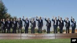 Tổng thống Obama và các nhà lãnh đạo khối ASEAN chụp ảnh lưu niệm tại Sunnylands, Rancho Mirage, California, ngày 16/2/2016.