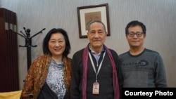 """高瑜在推特上发表的她与鲍彤、李海的合影。高瑜称之为""""三个六四犯""""的合影"""