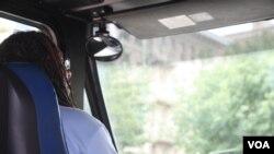 Estudios revelan que los conductores somnolientos toman más tiempo en reaccionar y son menos atentos cuando están al volante.