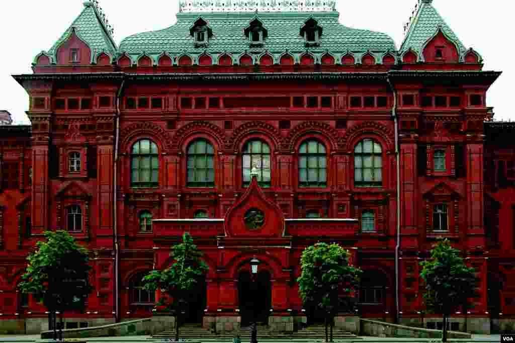 Общественные туалеты в Музее Ленина (photo: courtesy of Yevgeniy Fiks)