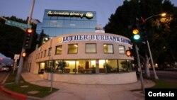 Según las autoridades, el Luther Burbank Savings incurrió en prácticas discriminatorias al establecer un mínimo de $400.000 dólares para los créditos, entre el 2006 y 2011. [Foto: http://www.lutherburbanksavings.com]