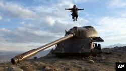 بقایای تانک قشون سرخ در افغانستان