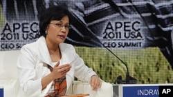世界银行的执行董事英迪拉瓦蒂11月11日在APEC会议上讲话