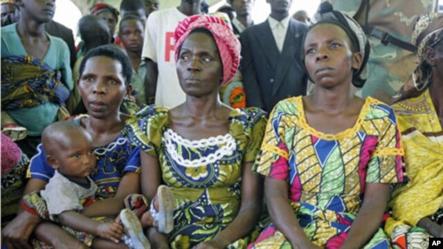 Žene u Demokratskoj republici Kongo slušaju predavanje specijalnog izaslanika UN-a o seksualnom nasilju