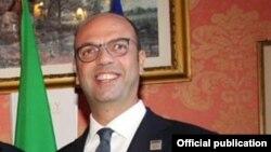 Le ministère italien des Affaires étrangères Angelino Alfano, 25 octobre 2017.