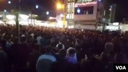 یکی از دهها تجمع اعتراضی در ایران، در بندر ماهشهر- آرشیو