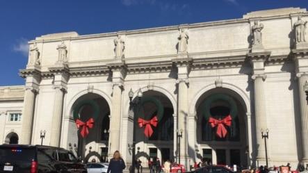 华盛顿联合火车站节日加强保安。(美国之音杨晨拍摄)