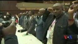 Що нового у світі: правляча партія Зімбабве усунула з посади президента Роберта Муґабе. Відео