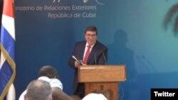 Bruno Rodríguez Parrilla, Ministro de RR.EE. de La Habana durante la conferencia de prensa en la que rechazó la orden de salida de 15 diplomáticos cubanos de EE.UU. Oct. 3, 2017. Foto: @CUBAONU.