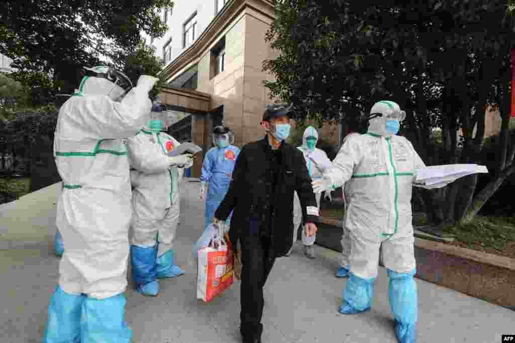 چین کے نیشنل ہیلتھ کمیشن کے مطابق منگل کو کرونا وائرس کے 119 نئے کیسز سامنے آئے جو گزشتہ روز کے مقابلے میں 125 کیسز کم ہیں۔کمیشن کے مطابق کیسز میں کمی کا رجحان فروری کے وسط سے سامنے آیا ہے۔