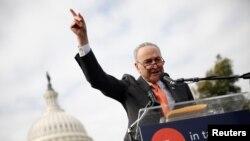 Senatda azlıqda olan demokratların lideri Çak Şumer