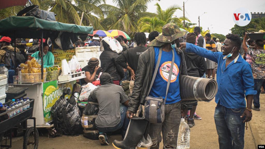 Diariamente llegan a esta comunidad colombiana entre 800 y 1.000 migrantes de diferentes naciones del mundo, para atravesar el Tapón del Darién y así llegar a Centroamérica.