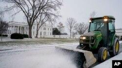 En images : la neige perturbe les Etats-Unis